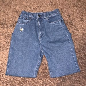 Quacker Factory Daisy Embroidered Jeans